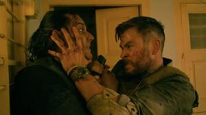 Πώς να είσαι ετοιμοπόλεμος όπως ο Chris Hemsworth στο Extraction