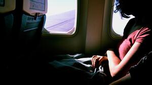 Προσοχή: Γιατί δεν πρέπει να πίνετε καφέ, ζεστό νερό και τσάι στο αεροπλάνο