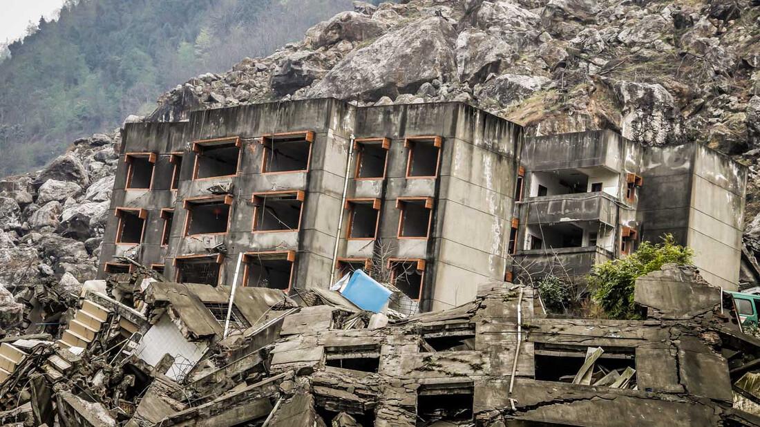 Sichuan: Τρόμος θα πει να κινείται η γη κάτω από τα πόδια σου