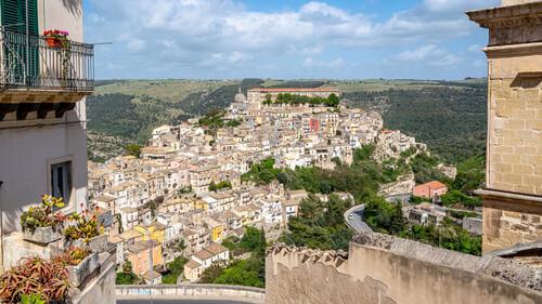 Η Σικελία σε πληρώνει για να την επισκεφτείς
