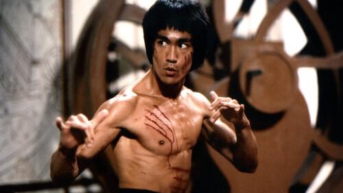 Bruce Lee: Πώς κατάφερε να αποκτήσει το απόλυτο σώμα