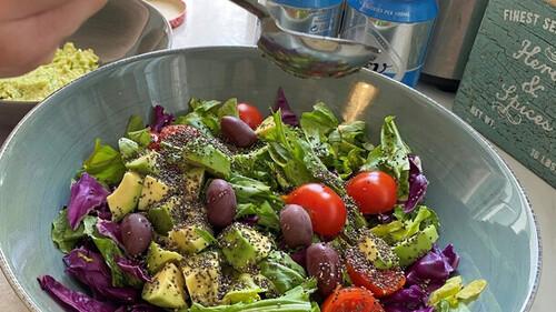 Homies: Πώς η καραντίνα με έβαλε στην κουζίνα και δημιούργησα τα πιο θρεπτικά και γευστικά bowls