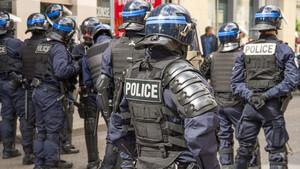 Σάλος με ράπερ! Αστυνομία έκανε ντου σε βίλα με δεκάδες μοντέλα! Δείτε τι έγινε (photos+videos)