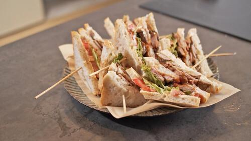 Το αρνί έδωσε στο club sandwich την χαμένη του αξιοπρέπεια
