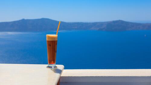Καλοκαίρι: Κρύος ή ζεστός καφές είναι η καλύτερη επιλογή;