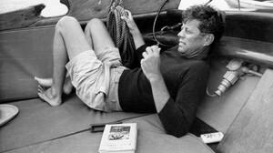 5 μαθήματα στυλ που μας δίδαξε ο JFK