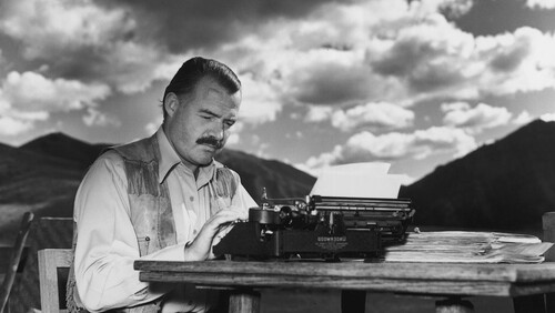 Ernest Hemingway: Ο αιώνιος πατριάρχης της μοντέρνας λογοτεχνίας
