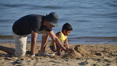 «Χτίζω κάστρα με τον γιο μου, για να μάθει να χτίζει ο ίδιος την ζωή του»
