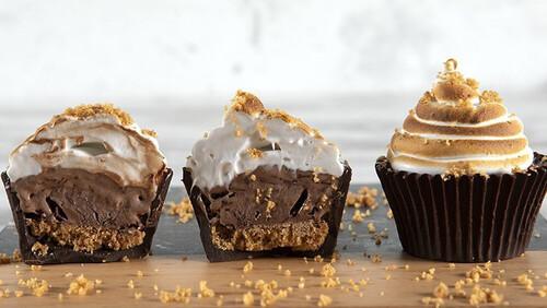 Άκης Πετρετζίκης: Cupcakes παγωτό