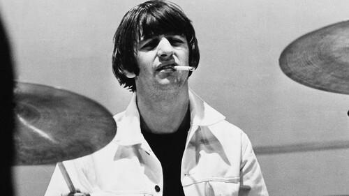Ringo Starr: Το Σκαθάρι που κρατούσε σωστά το στυλ όπως και τον ρυθμό
