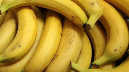Αγόρασαν μπανάνες από το σούπερ μάρκετ - Θα πέθαιναν με αυτό που βρήκαν μέσα