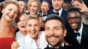 Έρευνα: Το να μοιράζεσαι selfies στο Instagram, σου κάνει καλό