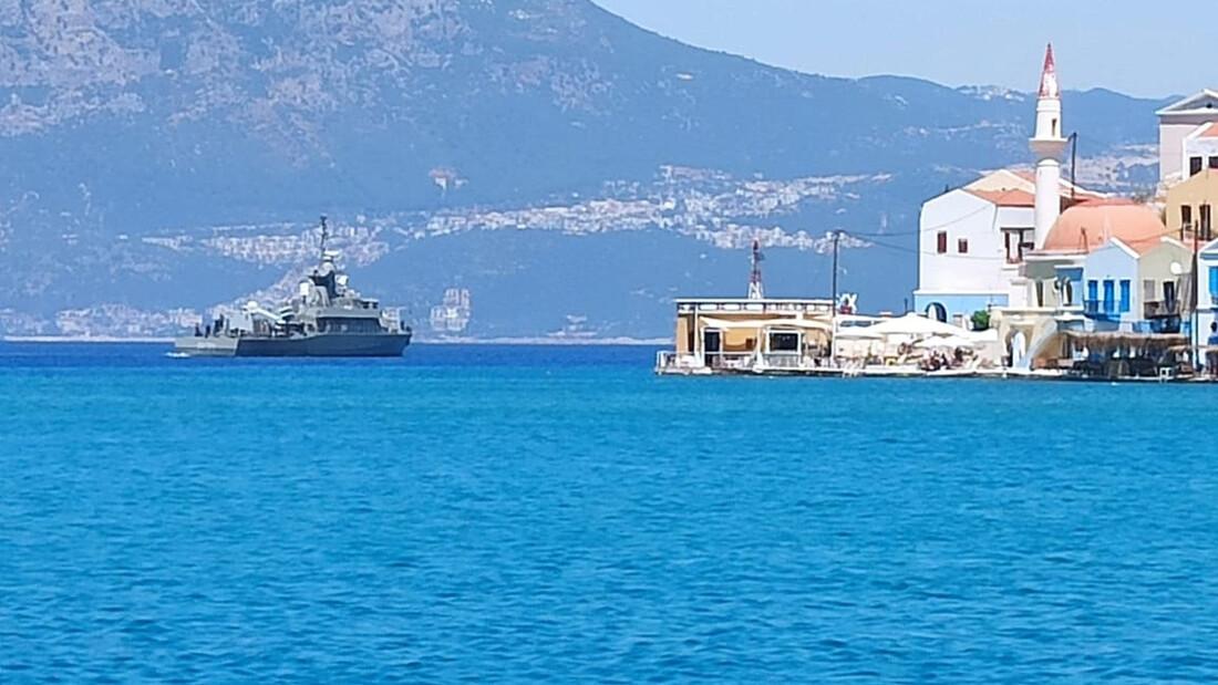 Καστελόριζο ΤΩΡΑ: Σε συναγερμό το νησί - Αποστολή του Newsbomb.gr (pics+vid)