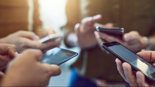 Ψηφιακή αμνησία: Μήπως γινόμαστε όμηροι μιας κάρτας μνήμης;