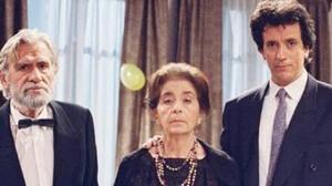 Εκμέκ Παγωτό: Ο τηλεοπτικός ύμνος για την Ελληνική νευρωτική οικογένεια