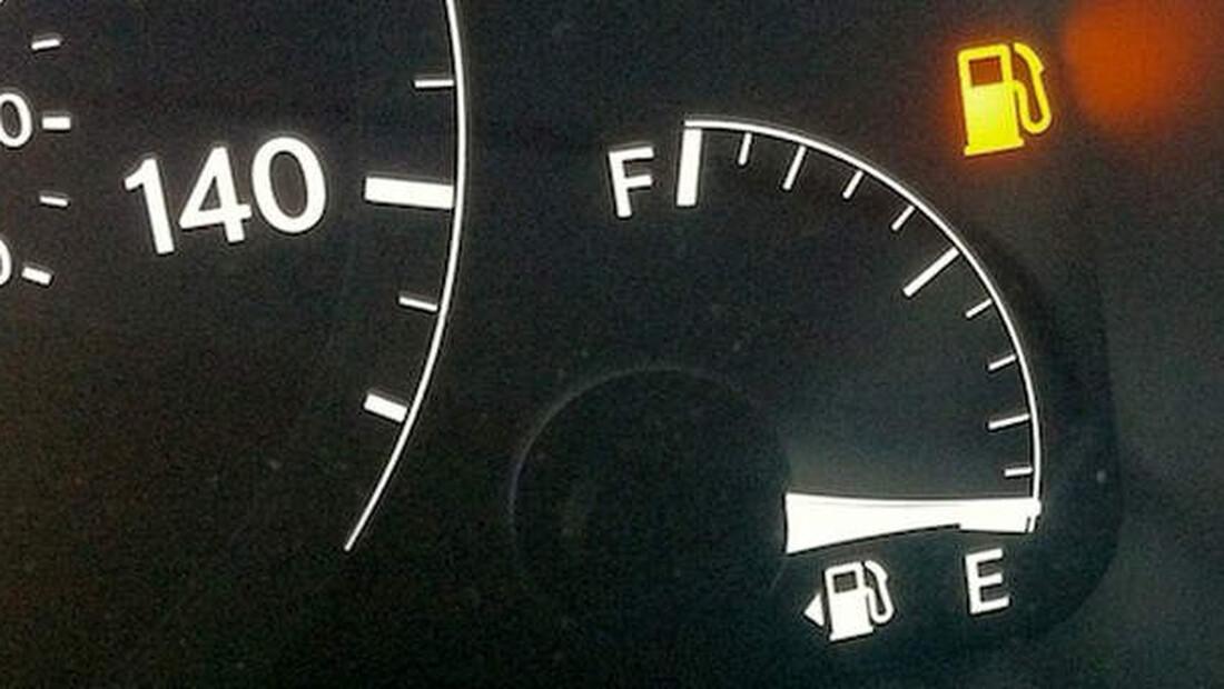 Αυτό να το θυμάσαι κάθε φορά που σου ανάβει το λαμπάκι στο αμάξι