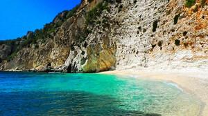 Το ελληνικό νησί που έχει κάνει τους πάντες να παραμιλάνε