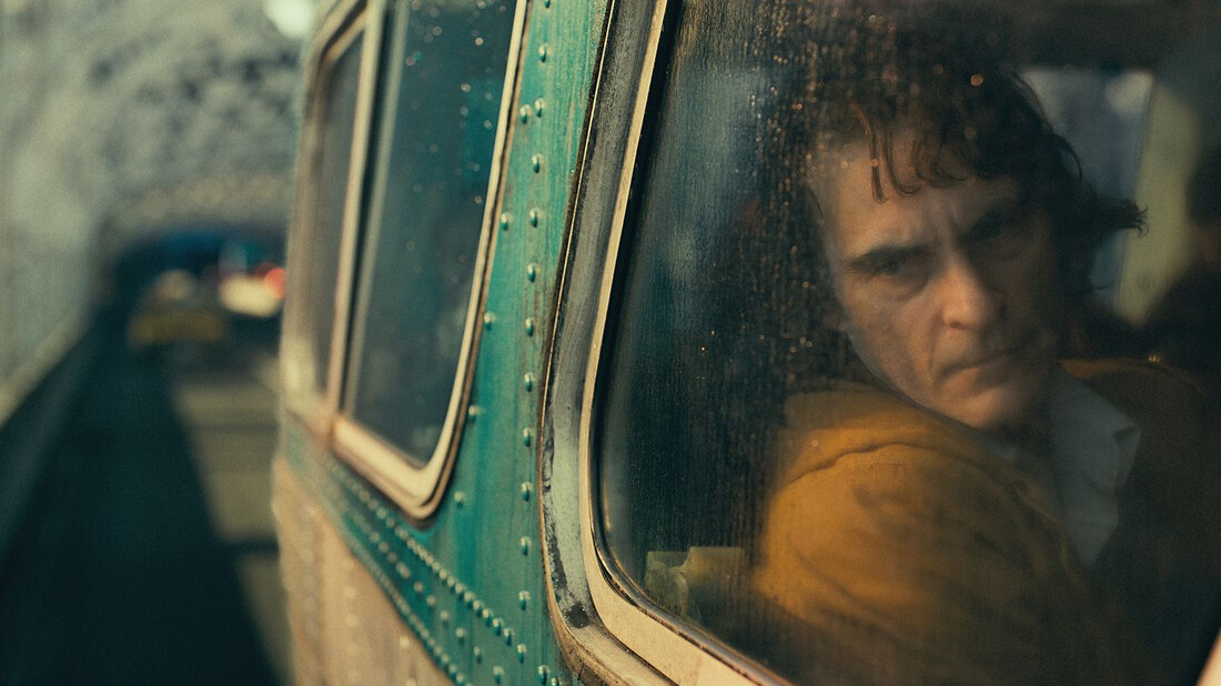 Η Warner Brothers θέλει τριλογία Joker με τον Joaquin Phoenix