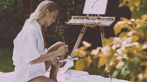 Η Lara Birmili θα σε μάθει να ζωγραφίζεις σπιτάκια