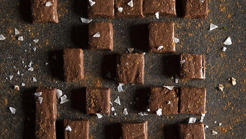 Άκης Πετρετζίκης: Τρούφες σοκολάτας με 4 υλικά