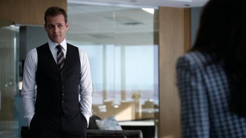 Η καλή γραβάτα έψαχνε πάντα το στυλάτο πουκάμισο