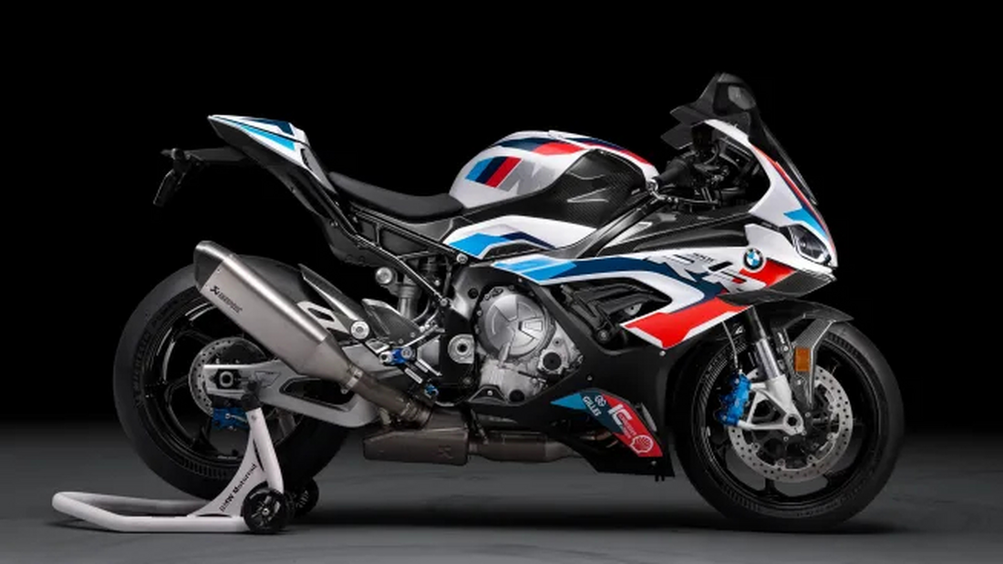 Η BMW αποκάλυψε την πρώτη Superbike της