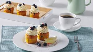 Easy Bake Challenge: Τρεις συντάκτες συναγωνίζονται για την πιο γλυκιά και σπιτική δημιουργία