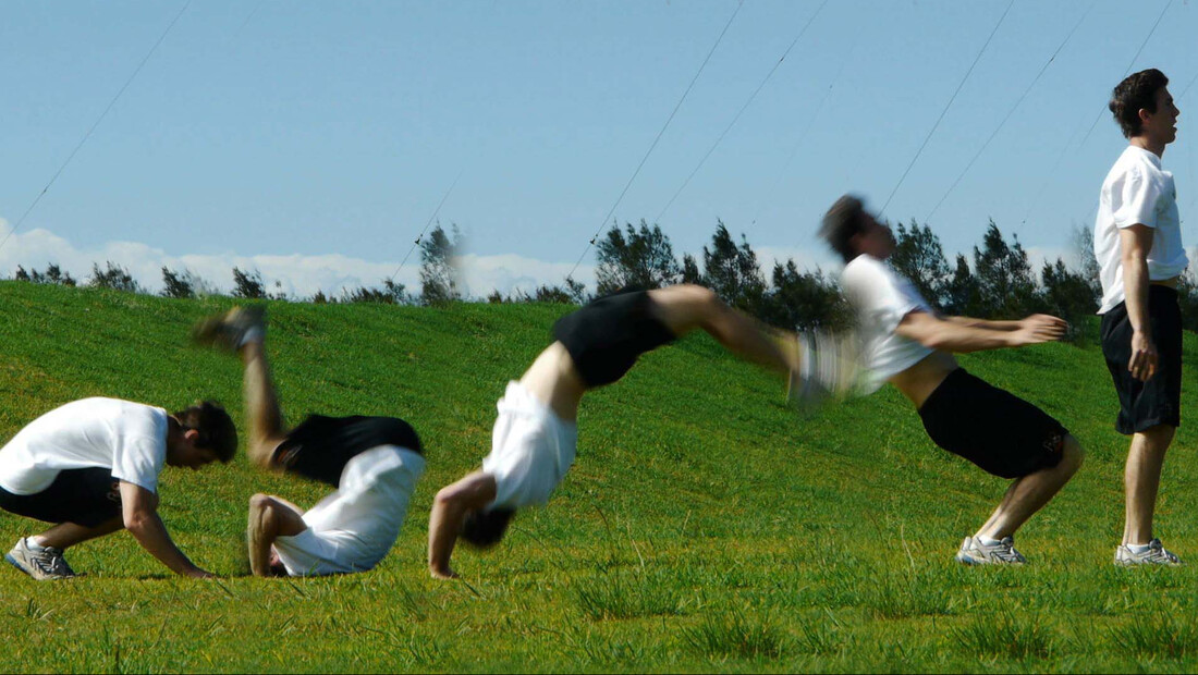 Kip Up: Η τέχνη του να σηκώνεσαι σαν νίντζα