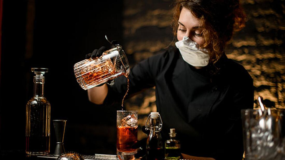 Έρευνα: Όσο περισσότερο πίνεις τόσο λιγότερο πονάς