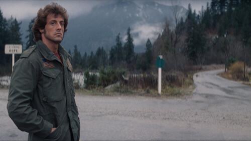 Είναι το First Blood μία από τις καλύτερες ταινίες του είδους της;