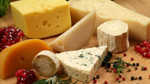 Αυτά είναι τα τυριά που πρέπει να τρως με μέτρο