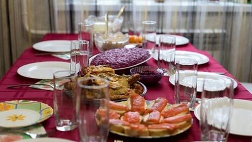 28η Οκτωβρίου: Γιορτάζουμε και φέτος με τα αγαπημένα μας πρόσωπα γύρω από το ίδιο τραπέζι