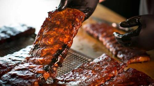 American Barbecue Showdown: Η σειρά που πρέπει να δει κάθε κρεατοφάγος
