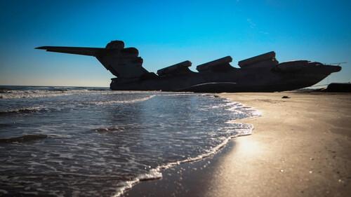 Ένα σιδερένιο τέρας των ωκεανών αναδύεται για τους τουρίστες
