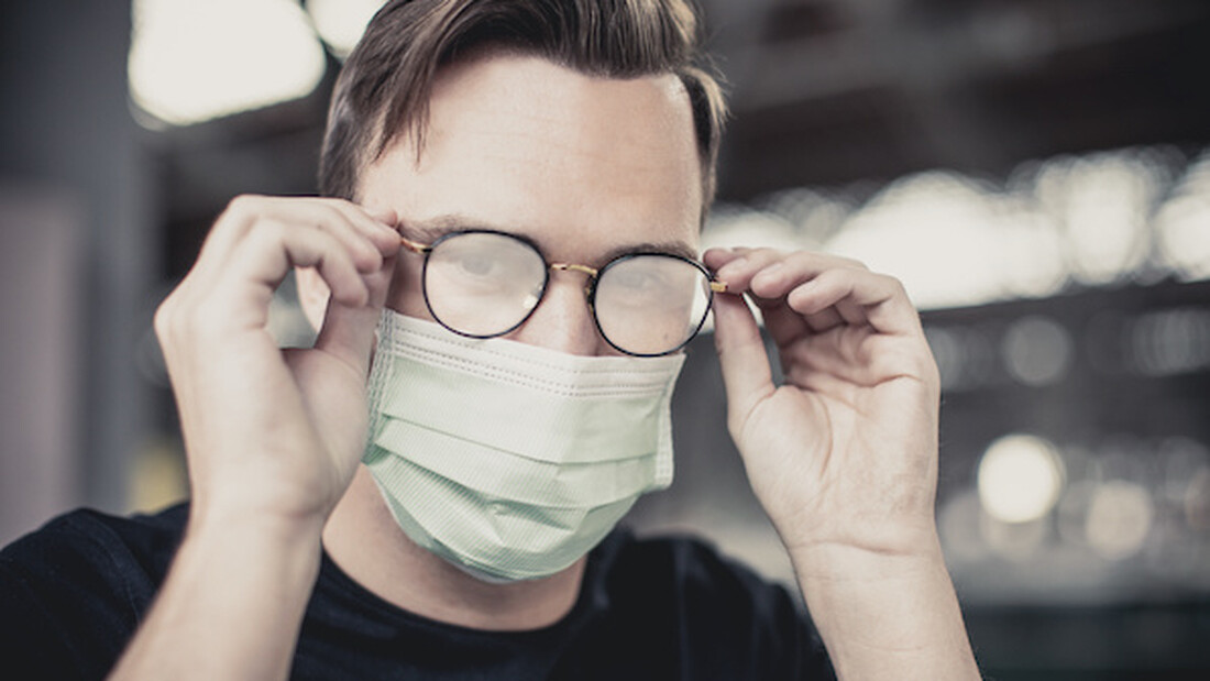 Αν φοράς γυαλιά αυτές οι μάσκες θα σε σώσουν από τη θολούρα