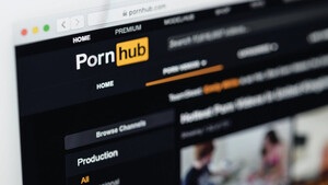 Pornhub: Γιατί απειλεί το ίντερνετ μέσα στο lockdown
