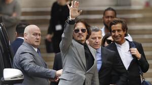 Τι έχει μείνει εκεί έξω για τον Johnny Depp;