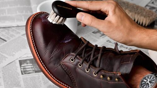 Πώς να περιποιηθείς τα δερμάτινα παπούτσια σου σαν επαγγελματίας
