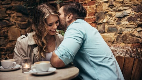 Πώς πρέπει να πλησιάσεις μία γυναίκα στο πρώτο ραντεβού