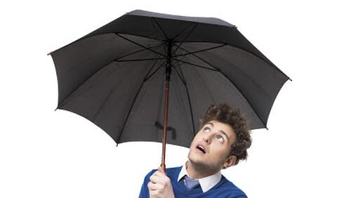 Γιατί οι μαύρες ομπρέλες είναι γρουσουζιά μέσα στο σπίτι;