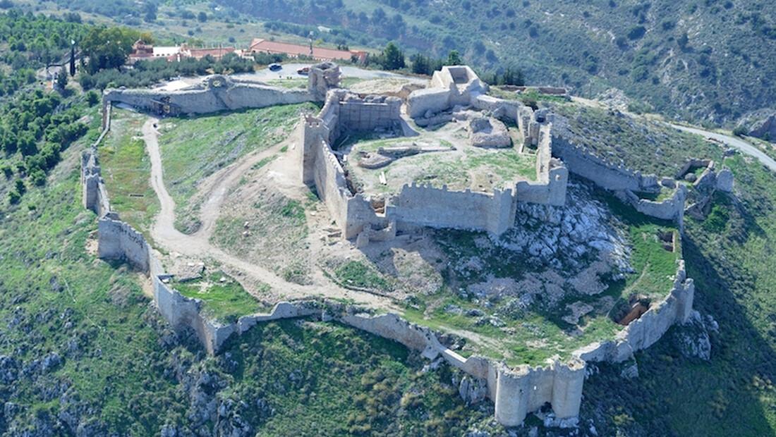 Και όμως το «Κάστρο της Λάρισας»… βρίσκεται στην Πελοπόννησο