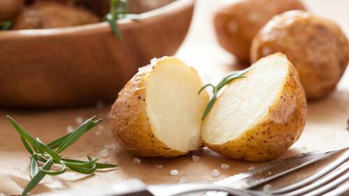 Ο μοναδικός τρόπος να βράσεις πολύ γρήγορα μία πατάτα