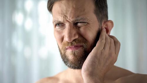 Πώς σταματάει η φαγούρα στο αυτί;