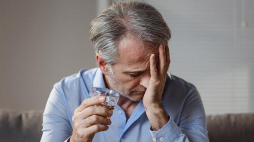 Έρευνα: Ποιο ποτό κάνει το χειρότερο hangover;