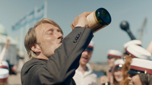 Another Round: Η ταινία που προσπάθησε να απομυθοποιήσει τη μεθυσμένη κρίση ηλικίας