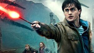 O Harry Potter ετοιμάζει μαγικά και επιστρέφει με νέα τηλεοπτική σειρά