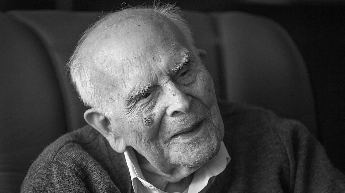 Ο Εμμανουήλ Κριαράς δεν είδε ποτέ την ελληνική γλώσσα ως «δουλειά»