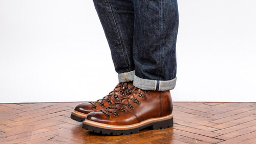 Πώς να φορέσεις το jean σου με δερμάτινες μπότες
