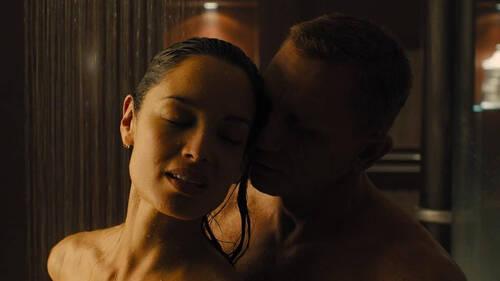 Μήπως να σταματήσεις να φαντασιώνεσαι ερωτικές καταστάσεις στο ντους;