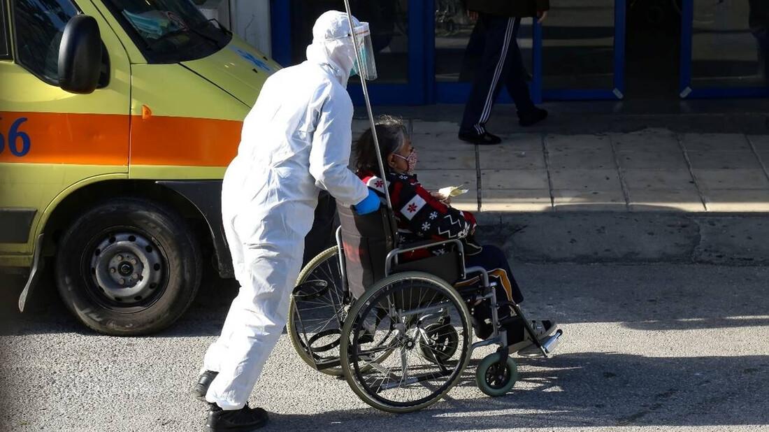 Ρεπορτάζ Newsbomb.gr: 90% η πληρότητα των ΜΕΘ στην Αττική – Γέμισαν οι κλινικές και βγήκαν ράντζα
